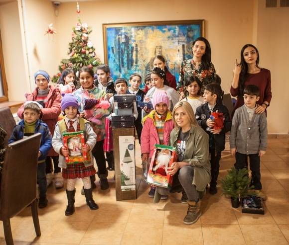 SAS Group's  holiday surprise for Orran children