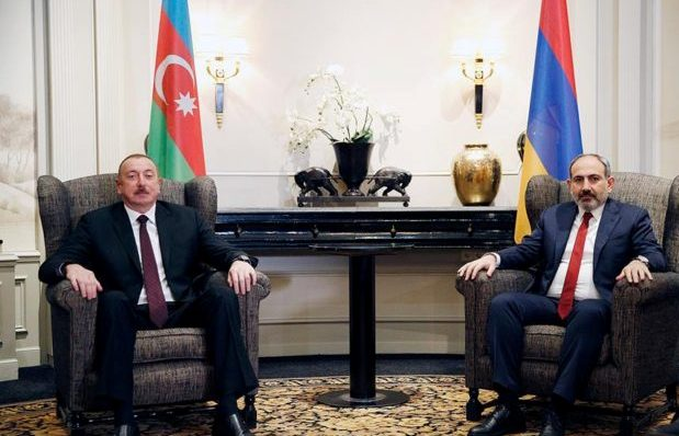 http://asekose.am/filemanager/uploads/Aliev-Pashinyan.jpg