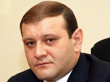 Գաղտնի հարց կառավարության նիստում Տարոն Մարգարյանի կողմից`ոչ տրանսպորտի մասին
