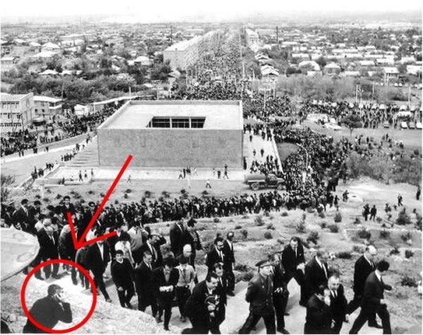 ԲՋՋԱՅԻՆ ՀԵՌԱԽՈՍՈՎ մարդ 1960-ականների Երևանում