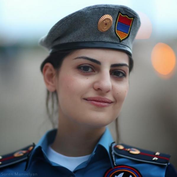 Ոստիկանները ՊԱՏԻՎ ԵՆ ՏՎԵԼ քաղաքացուն