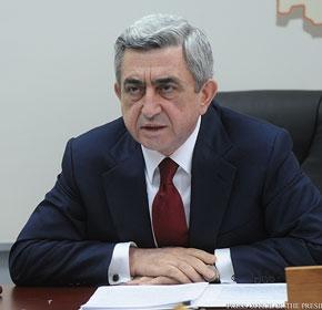 Ախմախություն է... Սերժ Սարգսյանը՝ հող տալու լուրերի մասին