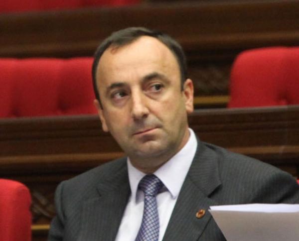 Հրայր Թովմասյանին ցանկանում են ՍԴ ցմահ նախագահ դարձնել.&laqu....