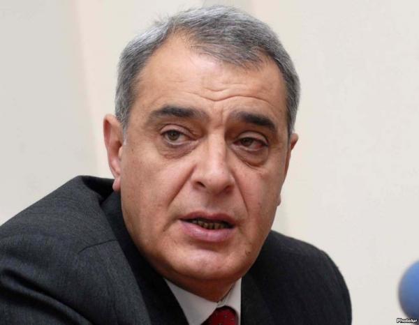Давид Щахназарян призывает Сержа Саргсяна и Раффи Ованнисяна начать переговоры