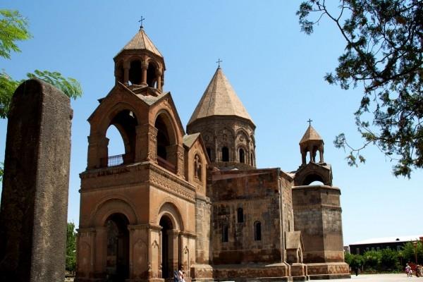 Удивительная история об армянской церкви во время войны