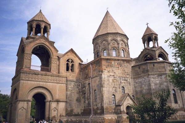 Армения-первая в мире страна по количеству верующих в Бога граждан