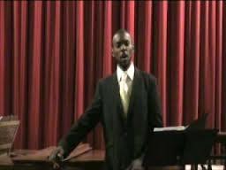 Սևամորթ երգիչ Իվոն Բոնիֆասը Կոմիտաս է կատարում