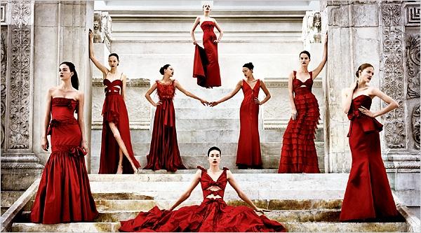 Kivera Naynomis-ի վալենտինյան գեղեցկուհիների գաղափարը «թխած է» Rosso Valentino-ի 2007-ի հավաքածուից