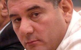 ԲՀԿ պատգամավոր Կարո Կարապետյան` Յուվեցի Կարո. Ասում եմ մի նկարի, կբռնեմ էդ....