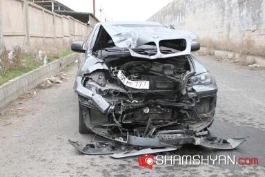 Գեներալ-պատգամավորի որդու անունով գրանցված BMW-ն ավտովթարի է ենթարկվել. կա տուժած