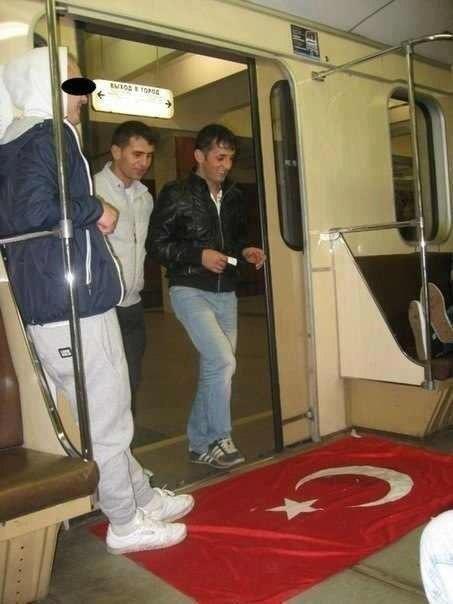 Թուրքիայի դրոշը` Մոսկվայի մետրոյի «պոլի շոր»