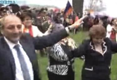 Մեր պապերը պարել են Բեռլինում,մեր հայրերը` Արցախում, մեր երեխաներն էլ կպարեն Մուշում