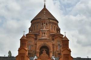 Սարգսյանն ու Լուկաշենկոն կմասնակցեն Ծառուկյանի կառուցած եկեղեցու օծման արարողությանը