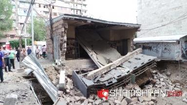 Փլուզում Կենտրոնում, որի 80.000-ից ավելի բնակիչներ տեղական չինովնիկների մեղքով դեռ երկար ժամանակ կմնան անլույս