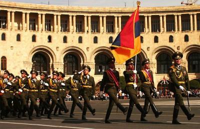Ерджаник Салвардян: Азербайджан не найдет слабое место Армянской армии, поскольку его нет