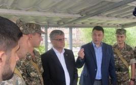 Հայ զինծառայողներին հետաքրքրում են Ադրբեջանի ամպագոռգոռ կոչերը