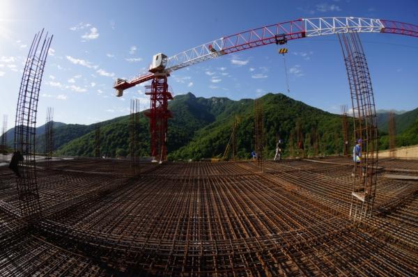 В Карабахе продолжается строительство самого современного в регионе военного училища