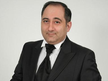 Врачи борются за жизнь известного армянского шоумена Марка Сагателяна