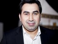 Еще один азербайджанец спелся с армянином. Азербайджанский певец Эльтон Гусейналиев спел армянскую песню