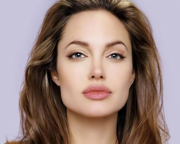 Brad Pitt lands in Australia for Angelina Jolie's 'Unbroken' World Premiere