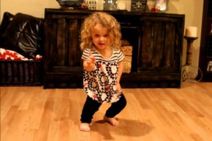 5 year old Riley has Achondroplasia and is dancing to Taylor Swift's Shake It Off