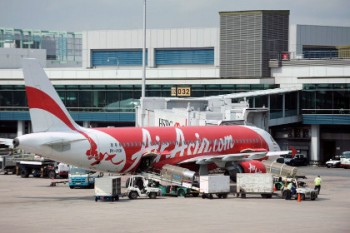 AirAsia flight QZ8501 from Indonesia to Singapore missing