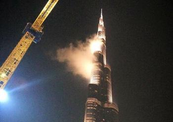 Dubai Police dismiss rumours that Burj Khalifa is on fire