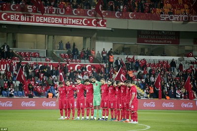 Turkish Soccer Fans Boo a Minute's Silence for the Victims of Paris Attacks