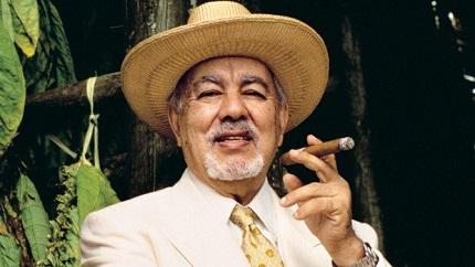 Avo Uvezian, 91, Dies