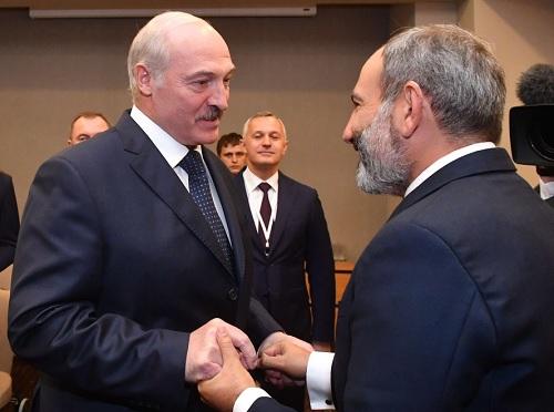 Привет, дорогой: встреча Пашинян-Лукашенко в Сочи
