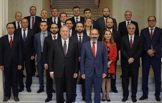Парламент Армении проголосовал за программу Пашиняна