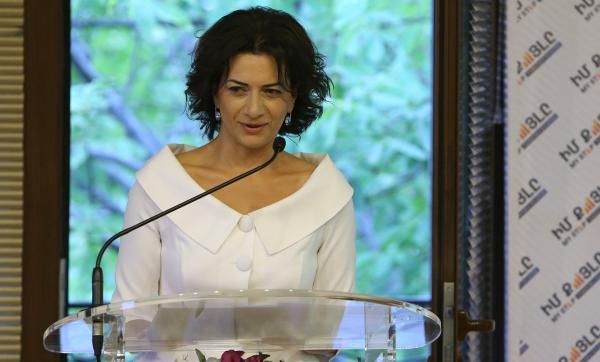 Աննա Հակոբյանը խոսել է հայ և ադրբեջանցի զինվորների ու նրանց ....